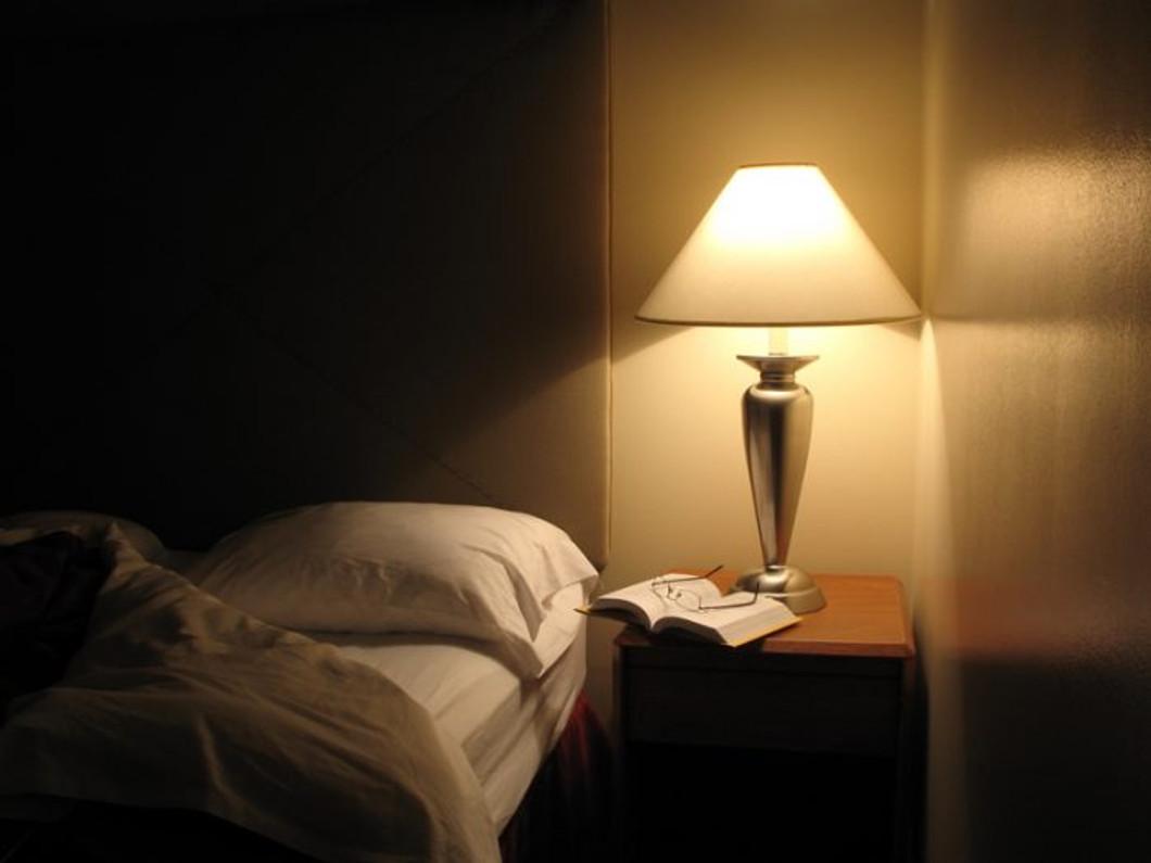 Bedside table lights vs pendant lights