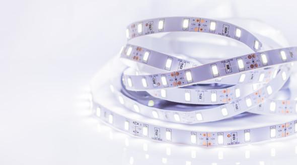 12v 5m LED Strip Lighting SMD3528 Cool White 300 LEDs 5000-6000K 24w