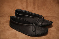 Hides in Hand Women's Black Ballet Moccasin