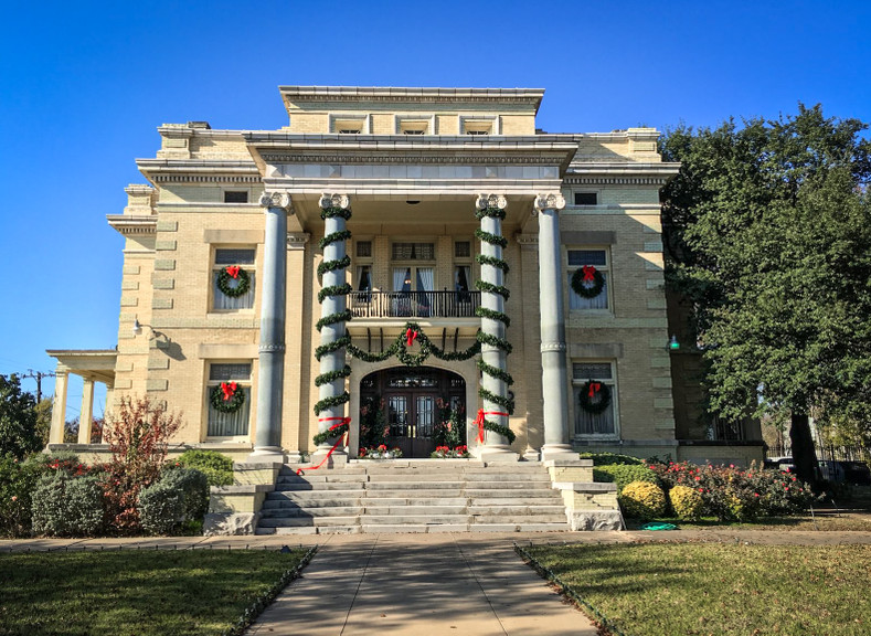 Holiday Home Tour at Alexander Mansion Nov 2018