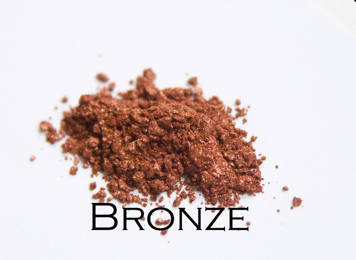 Bronze is perfect for that summer kissed skin. Also use it to add a highlighting glow to your cheeks.