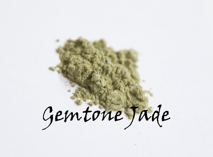 Stunning. Gemtone Jade is a gold with a hint of green. This would look fantastic highlighting brown eyes, or in any combination intended to be used on brown eyes.