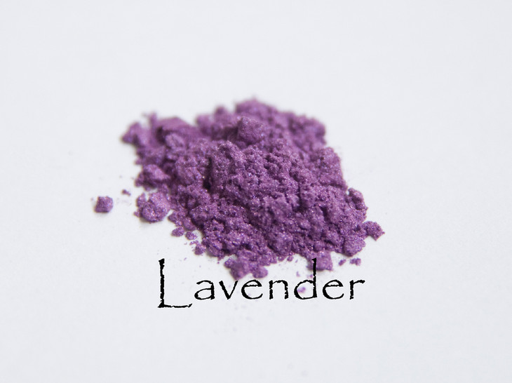 Soft purple playfully dances on your face. We like to line the eye with this color. This color mixes well with everything.