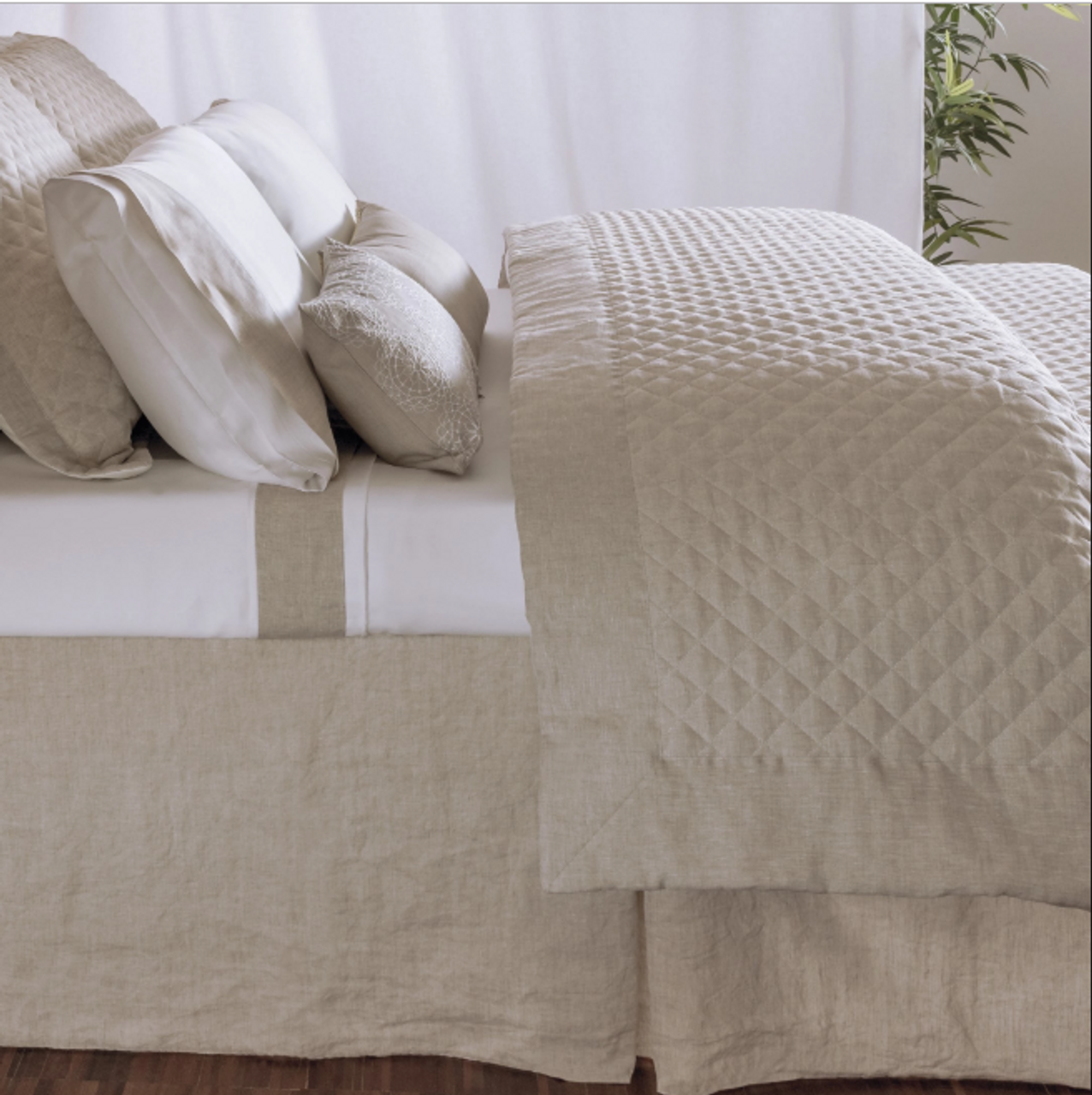 BLACK FOREST DECOR Desert Jewel Woven Bedspread Queen