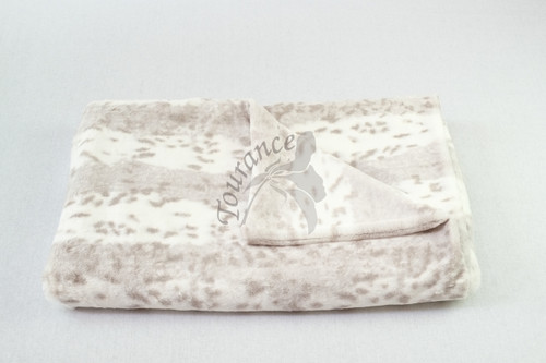 Tourance Animal Print Throw in Grey Snow Leopard