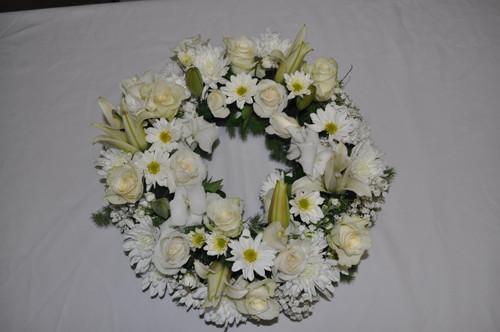 Wonderful white wreath