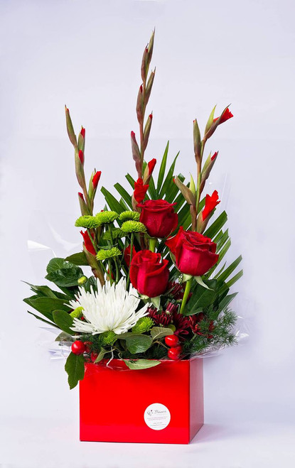 Smashingly scrumptious small box arrangement - FREE DELIVERY