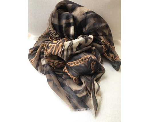 Lion & Chain Scarf