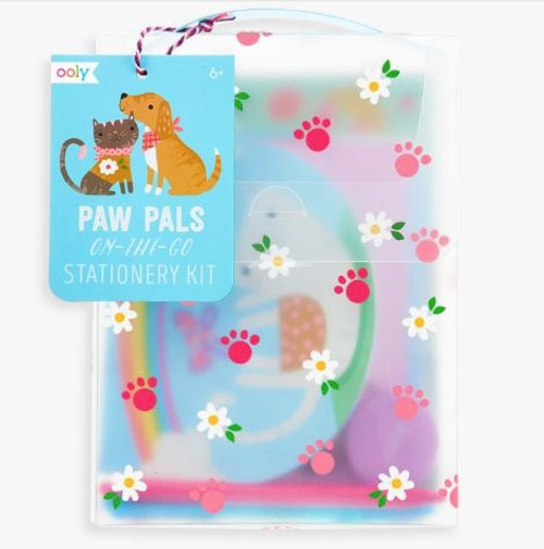 Keeping in touch with friends and family with handwritten notes can be fun. The Paw Pals On-The-Go Stationery Kit has darling kittens and puppies adorning this stationery set.