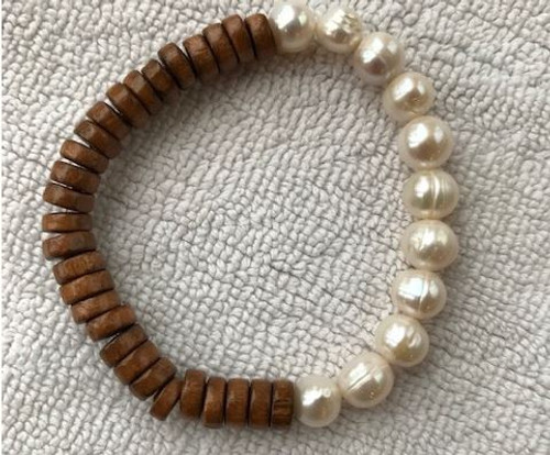 Coco Wood/Genuine Pearl Bracelet. Tan with white pearls.