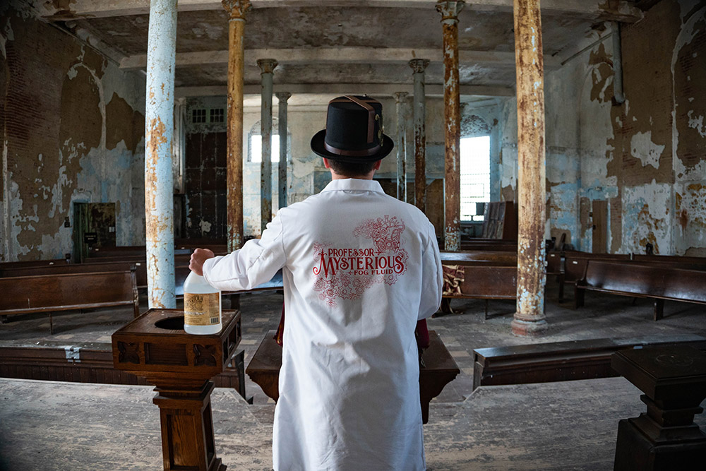 Professor Mysterious holds court in the Ohio State Reformatory.