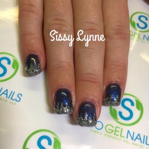 Educator Sissy Lynne from Elizabethton, TN created this sparkly gel set using color pigment #1318 and glitter pigment #200