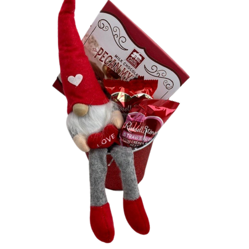 Holding Heart Gnome