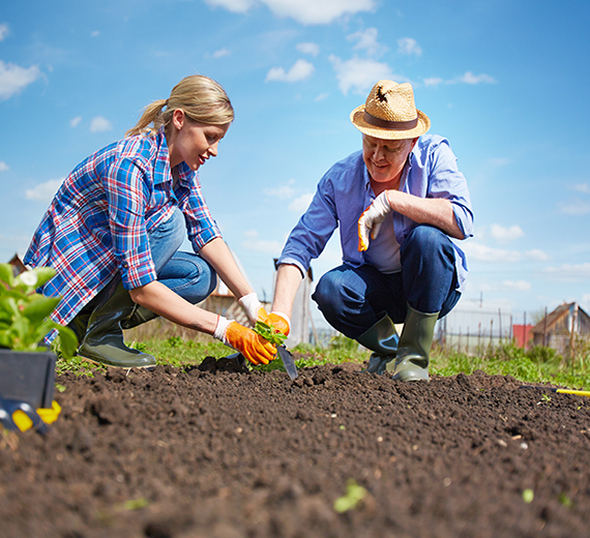 farming couple