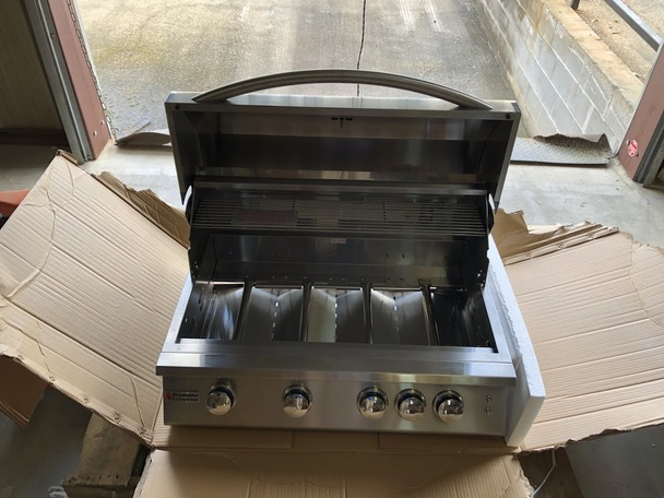 "RCS 32"" Premier Grill, Blue LED W/Rear Burner - OPEN BOX"