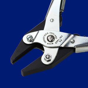 Flat Nose Parallel Plier Return Spring 160 mm | Maun