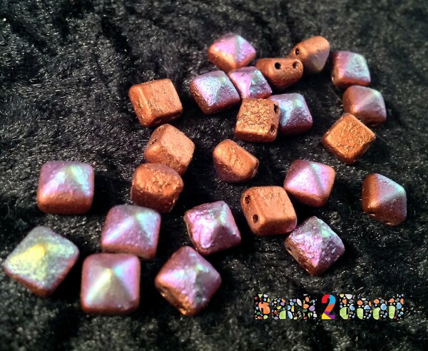 8MM Old Copper AB ( 01750 - 28701 ) Etch BeadStudz - 2-Hole Czech Glass Pyramids ( 24 Pieces per Strand )