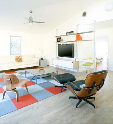 Eames Lounge Chair: Walnut or Palisander Veneers?