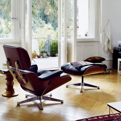 Can the Eames Lounge Chair Survive in Outdoor Spaces?