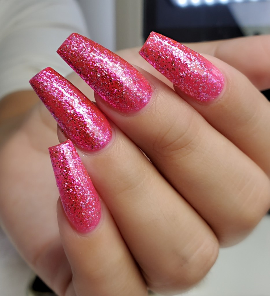 A Sophisticated and Modern Looking Nail Effect
