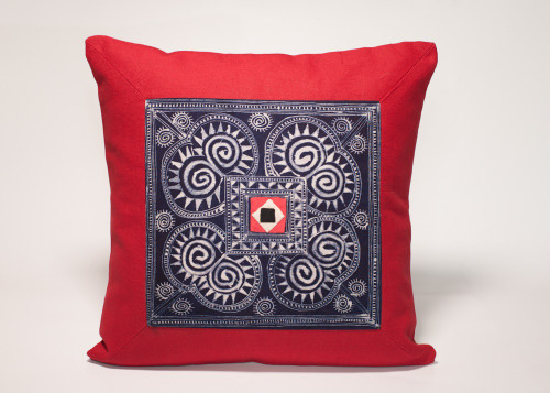Showcase the unique folk art history of the Hmong textile artisans while adding a dash of authentic ethnic flavor to your home with this 100% handmade cushion cover
