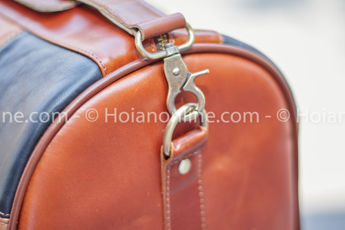 Durable shoulder strap buckle detail
