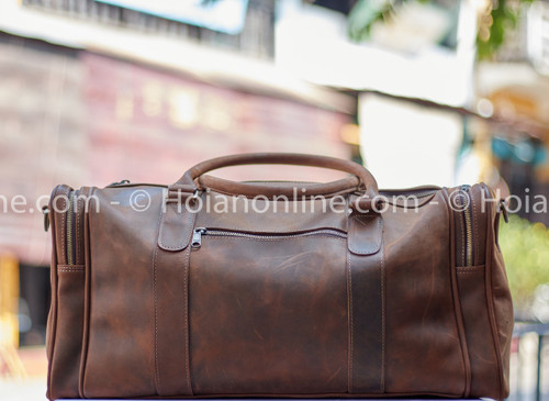 This stylish, functional and durable leather duffel is the gift that keeps on giving.