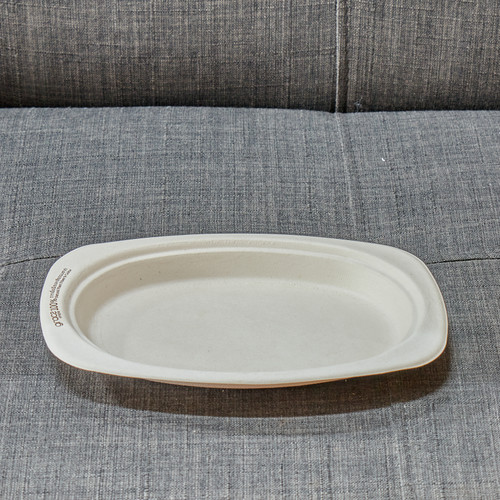 100% organic oval plate, made from ethically grown Bagesse plant fibers