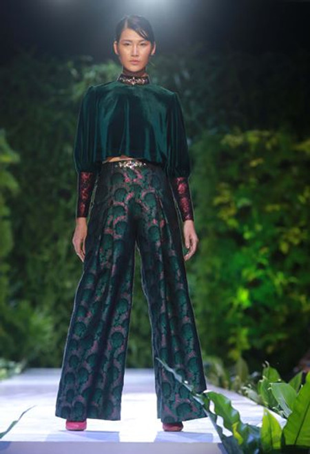 Puffy Sleeve Green Cropped Velvet Top & Pleated High Waist Pants