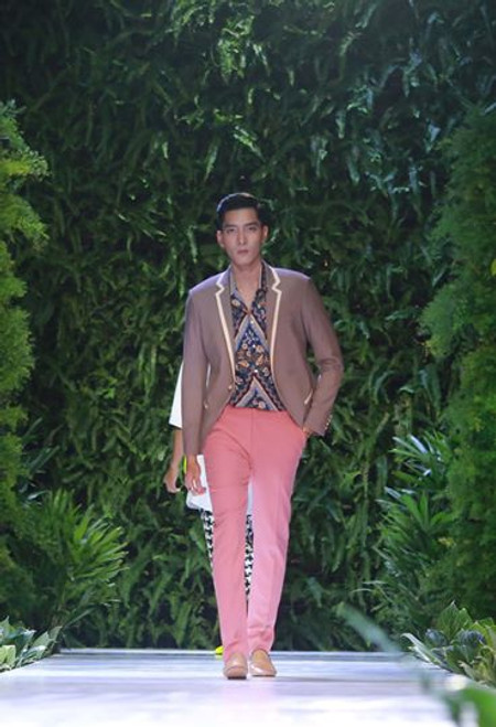 Contrast Trim Blazer with Pink Slimfit Pants and Floral Shirt