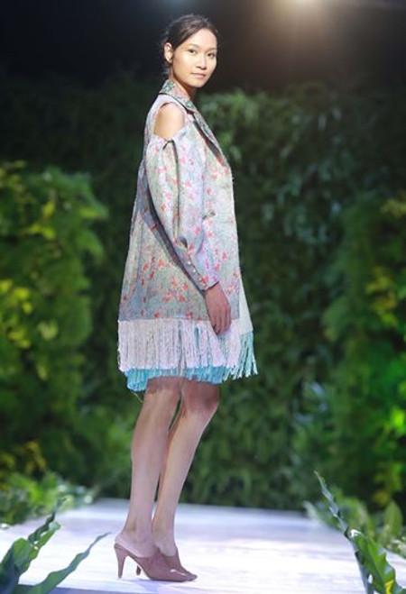Fringed Trimmed Floral Cold Shoulder Jacket with Sweetheart Dress