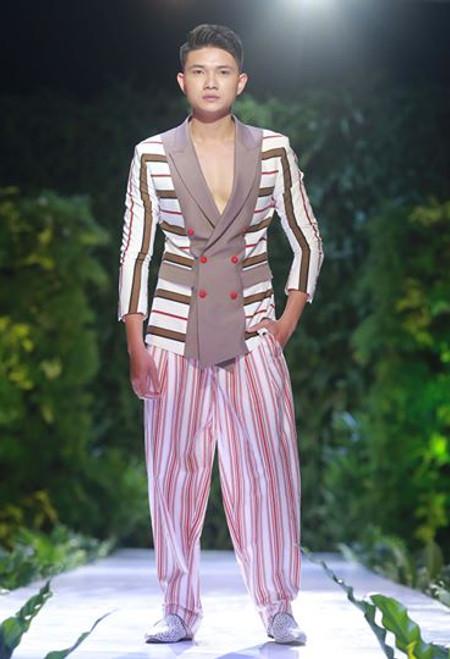 Stripe Block Colour Outfit