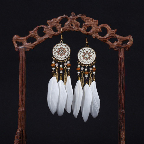 Bohemian earrings - Circle petal sole with and white feather