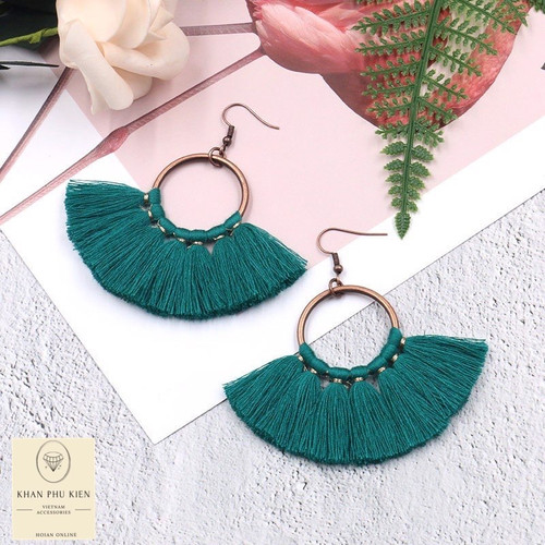 Bohemian earrings - Circle with turquoise tassels