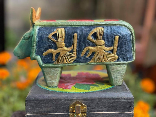 Handcrafted buffalo from Natural Wood