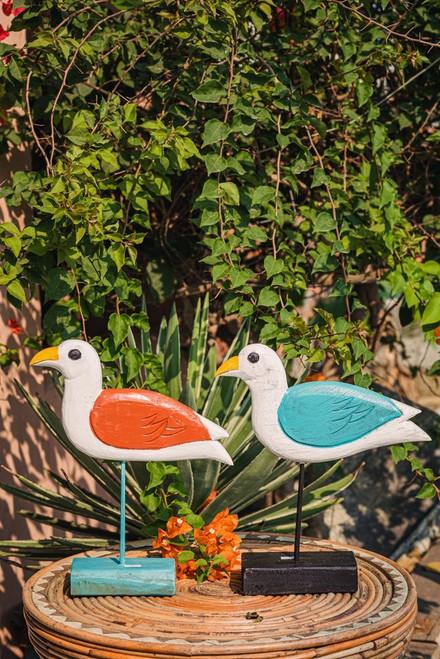 Handmade wooden bird model for decoration