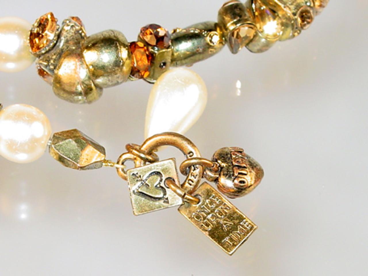 Otazu bracelet close