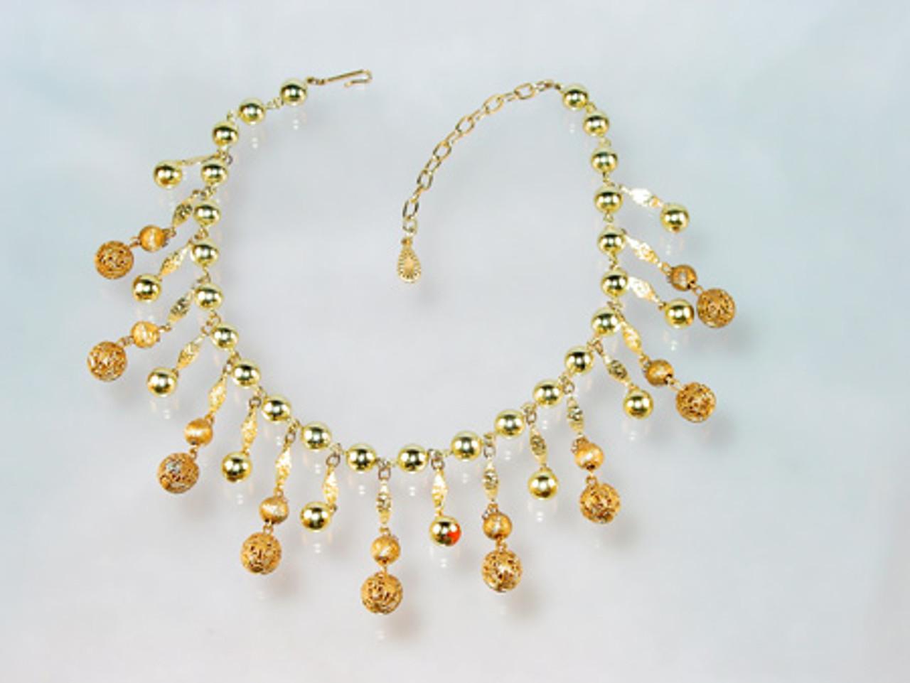 Lisner Bib necklace