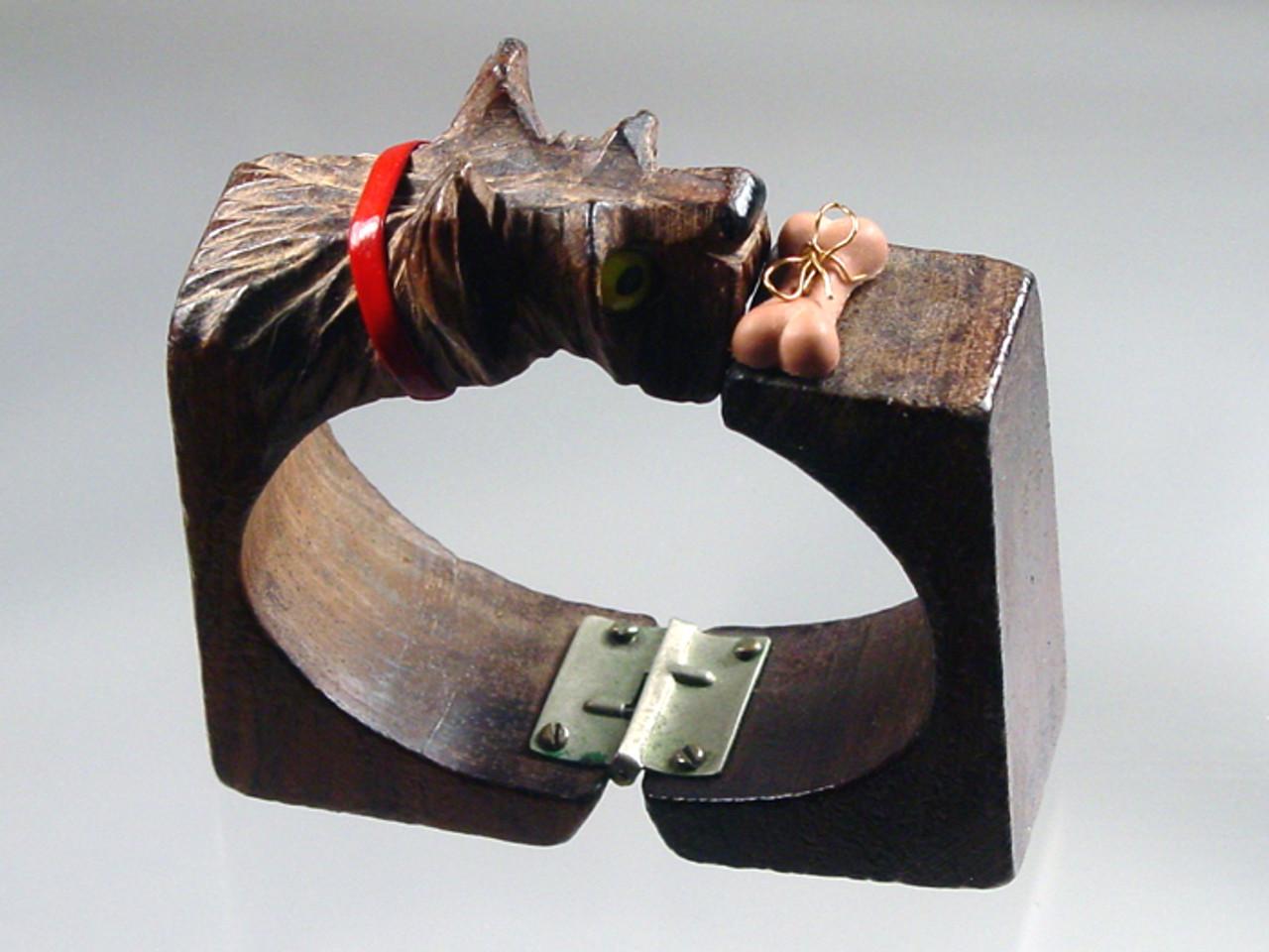 1940's carved scottie dog bangle