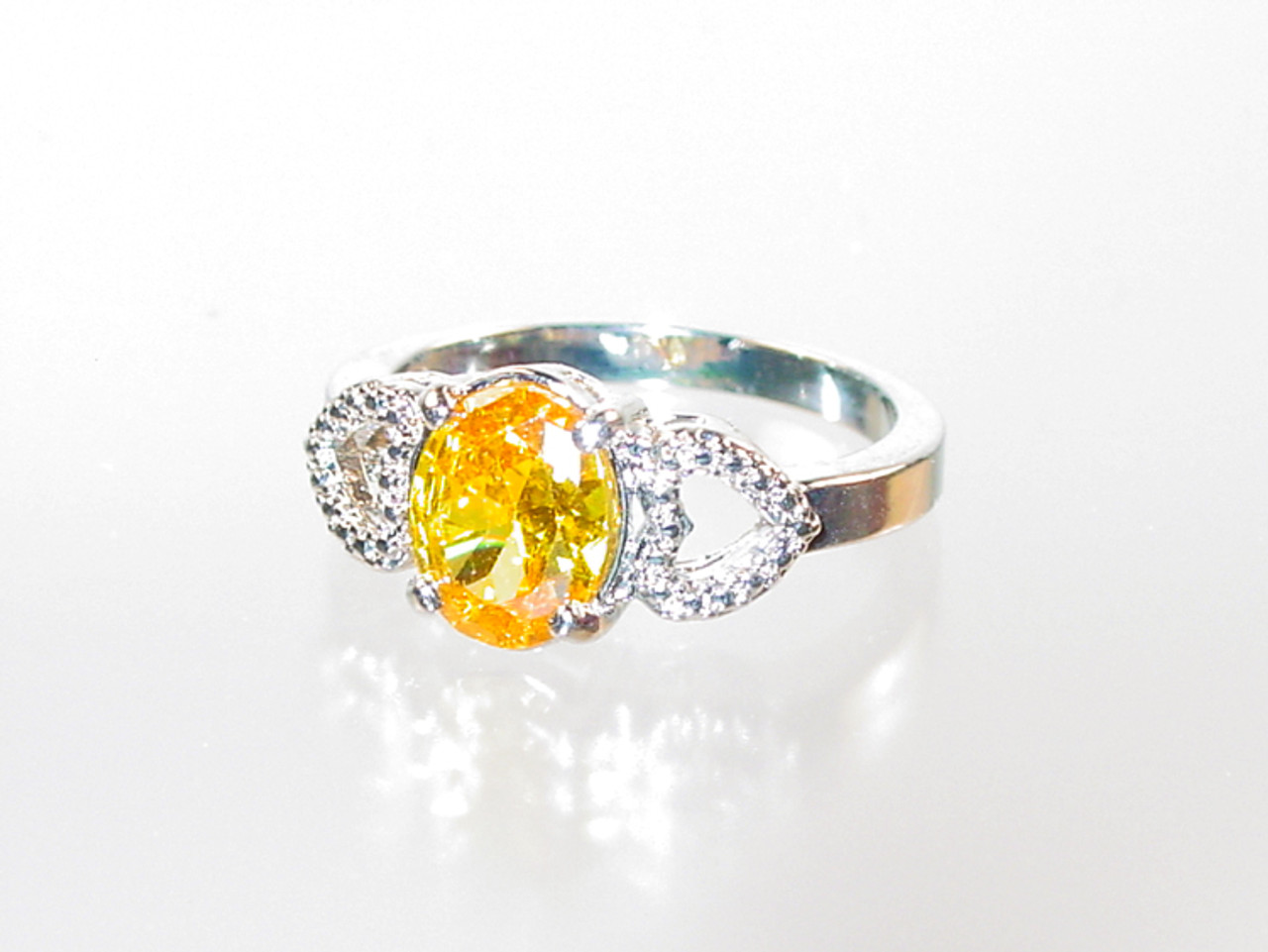 Oval crystal hearts ring