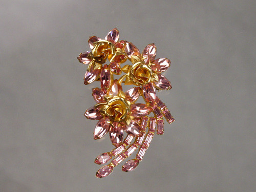 weiss pink floral brooch