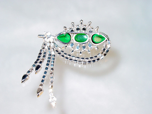 Back of brooch with open backed setting