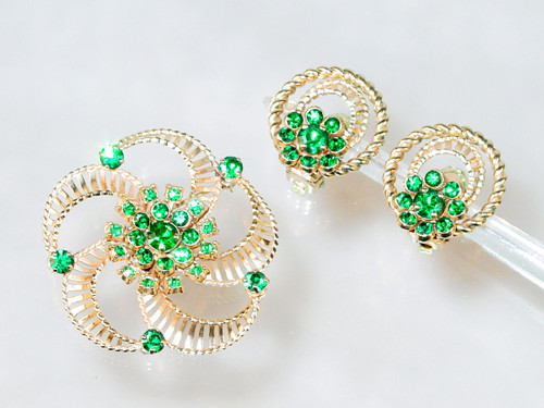 Barclay 1960 to 1970 pin and earrings