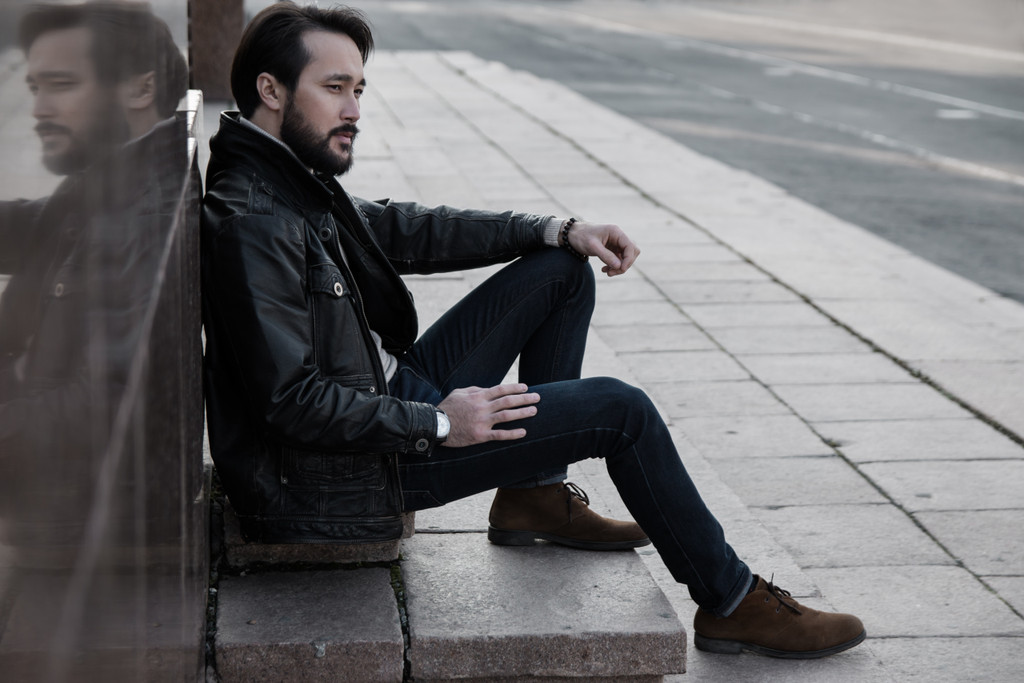 How to buy mens leather jacket