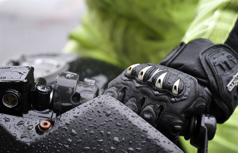 Tips on buying Motorcycle Gloves