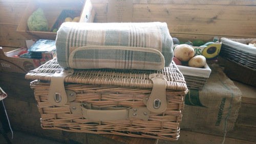 Picnic Hamper for Two - Continental