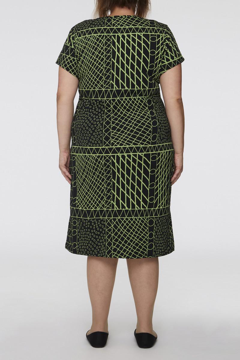 Tee Sleeve Dress - Yirrikipayi Lime Black