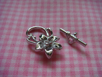 Toggle - Flower (Silver)