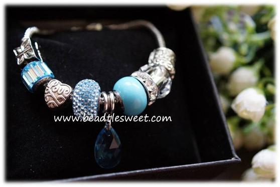 March Birthstone Bracelet using Aquamarine Swarovski BeCharmed Beads