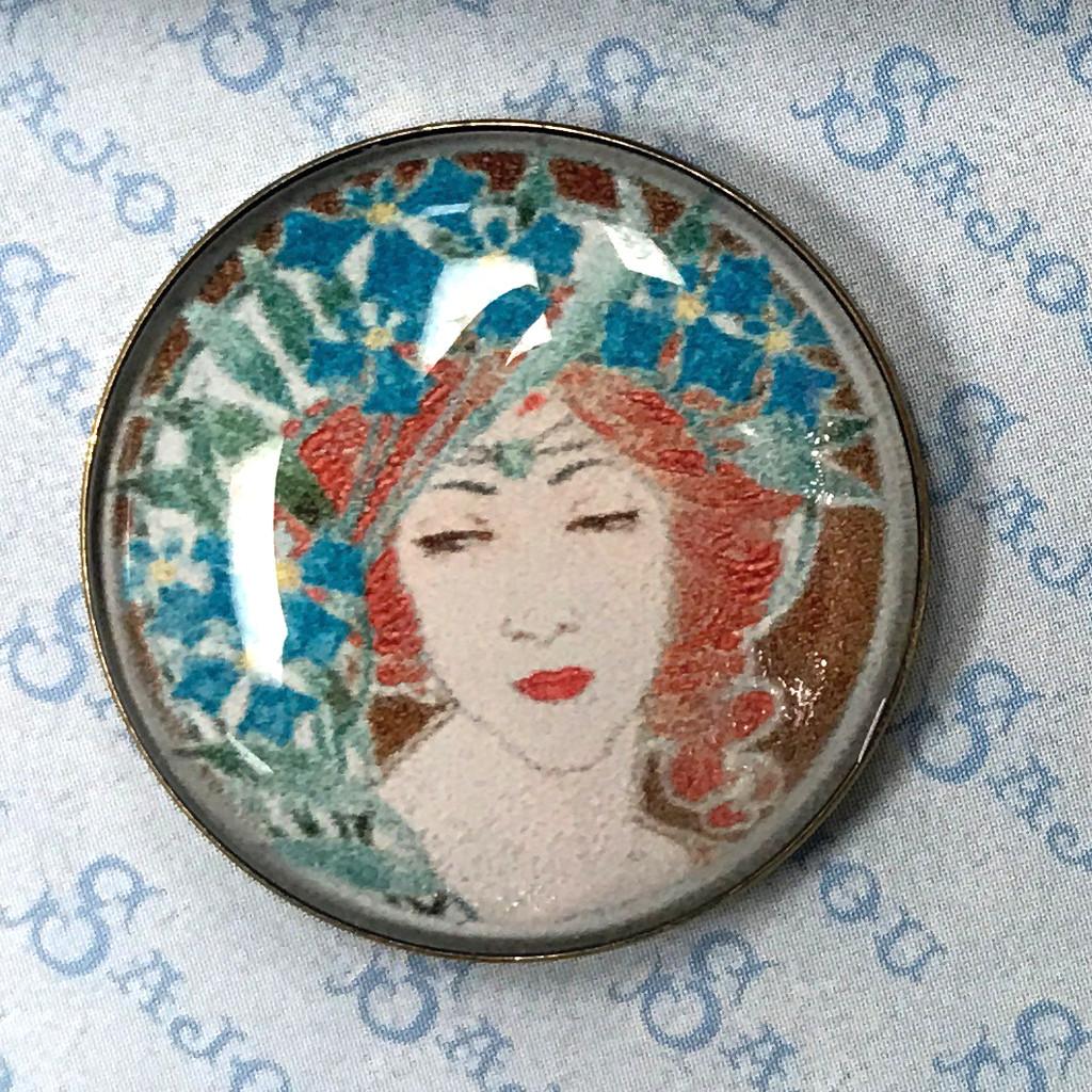 Set of Six Art Nouveau Buttons - Women's Portraits